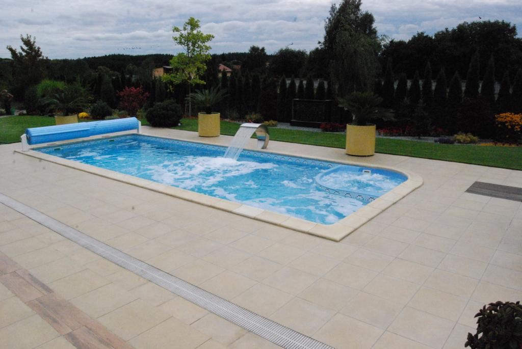 Fotos von schwimmbecken mit spa 11 25m piscines du for Piscine 25m